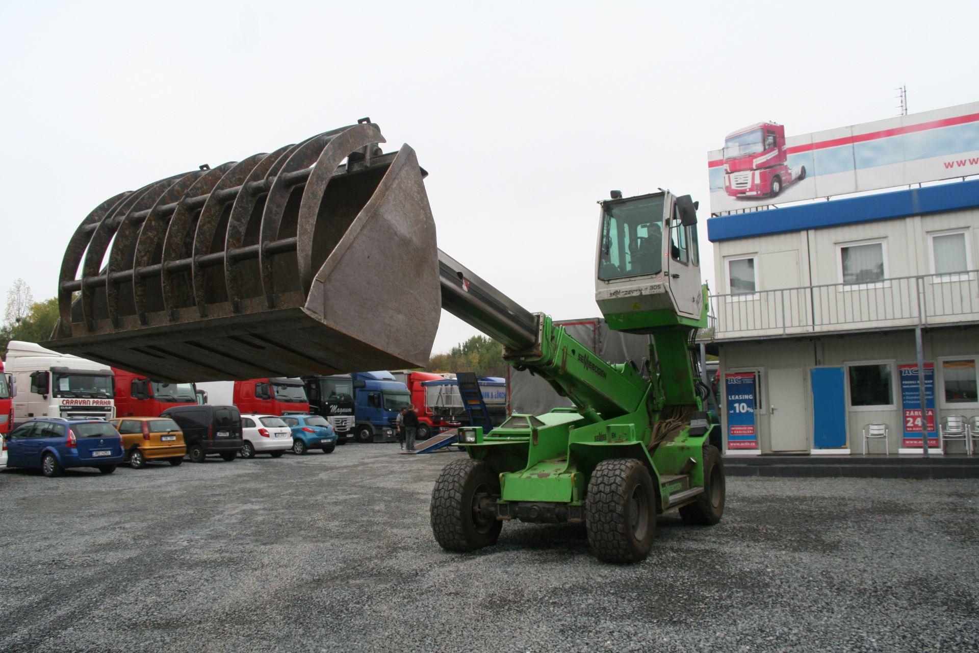 Půjčovna stavební techniky i speciálních nákladních vozů