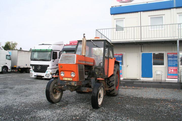 Traktor 8011